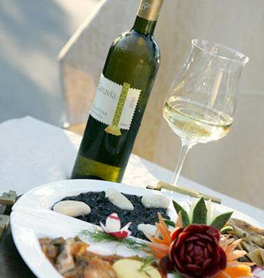 Rezervirajte stol i kušajte tradiciju u našem restoranu Pašike sa 10% popusta